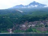 知床硫黄山とカムイワッカの滝