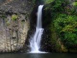 銚子の滝は発電所隣り