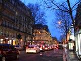 パリ・オスマン通りの黄昏