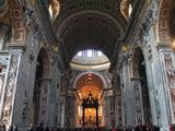 サン・ピエトロ大聖堂 身廊全景
