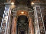 サン・ピエトロ大聖堂 側廊の装飾