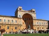 バチカン美術館中庭