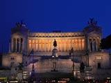 ヴェネツィア広場とヴィットリアーノ夜景